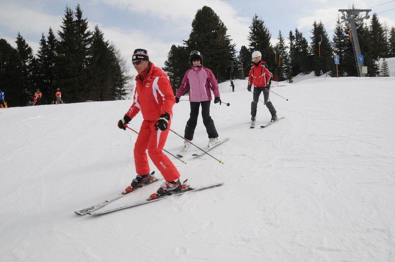Erwachsene im Kurs: www.skischule-hirschegg.at